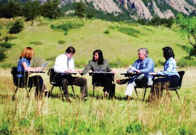 outdoor-meeting